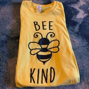 Tops - Bee Kind 🐝